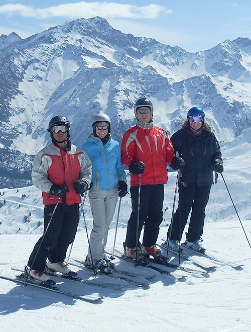 skiing in Les Contamines